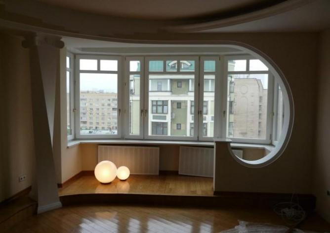Единый стиль лоджии и комнаты