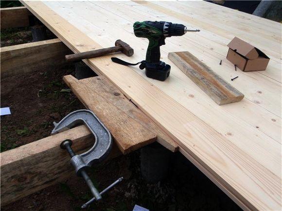 Как стянуть деревянный пол