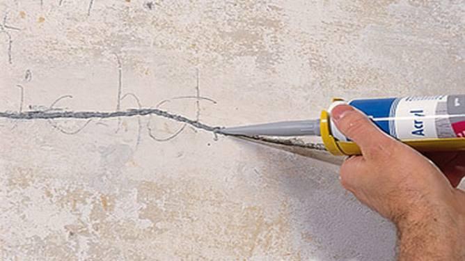Заделка трещины в стене