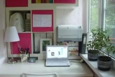 Рабочее место для девушки в розовых тонах
