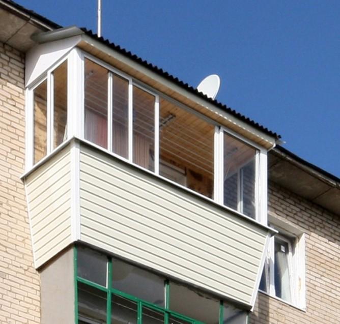 Крыша на балконе верхнего этажа