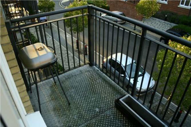 Мангал на маленьком балконе