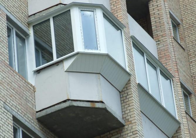 Балкон с боковым выносом