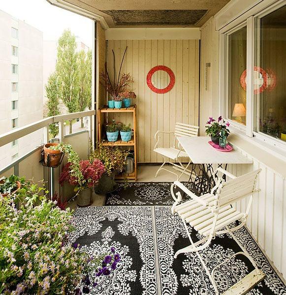 Дизайн балкона с лодочными мотивами