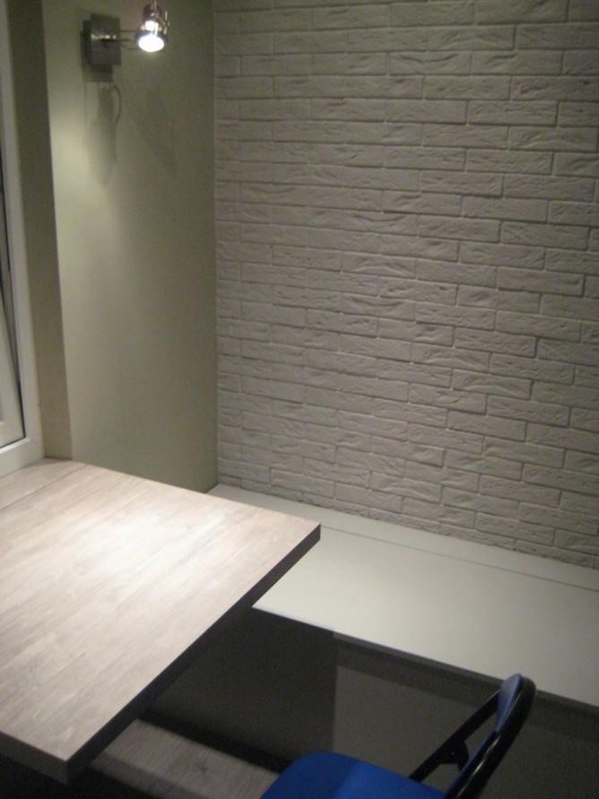Декор балкона гипсовой плиткой