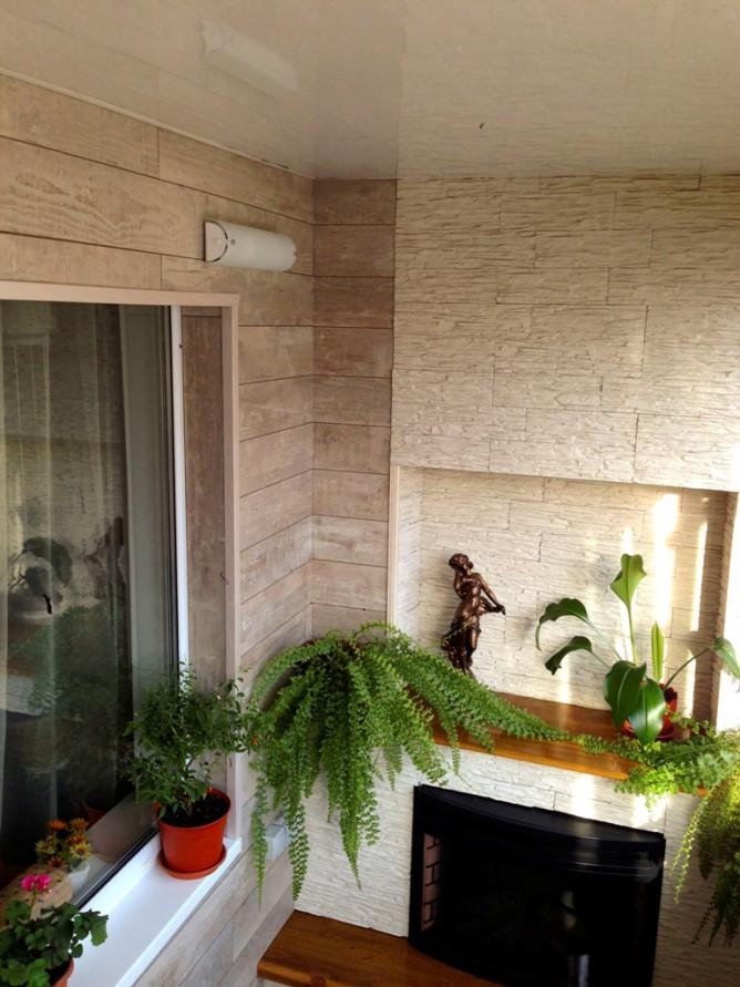 Фальш-камин на балконе