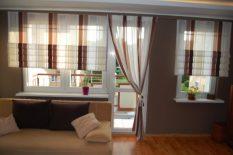 Спальня с балконом и японскими шторами