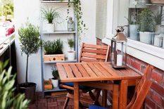 Деревянная мебель для балкона