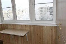 Компактный столик для балкона